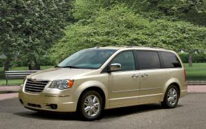 Car Shipping Your Chrysler Town & Country Minivan